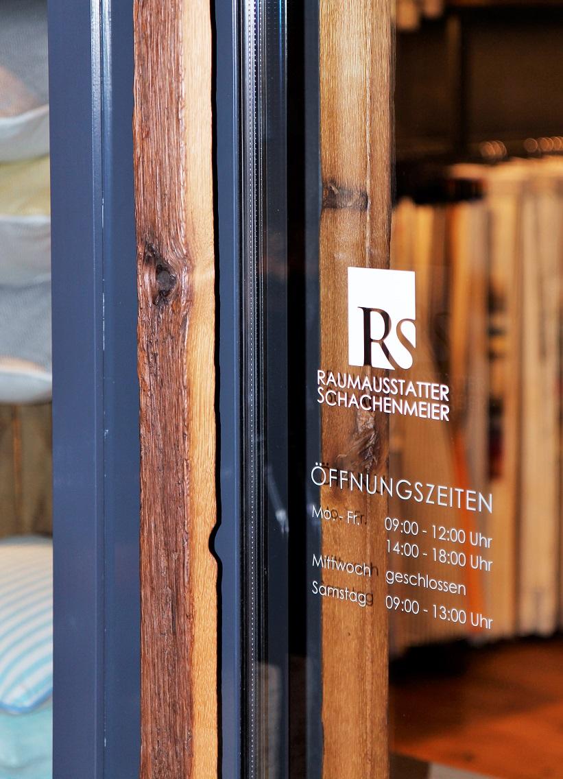 showroom raumausstatter schachenmeier. Black Bedroom Furniture Sets. Home Design Ideas
